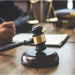 When to call a truck accident attorney